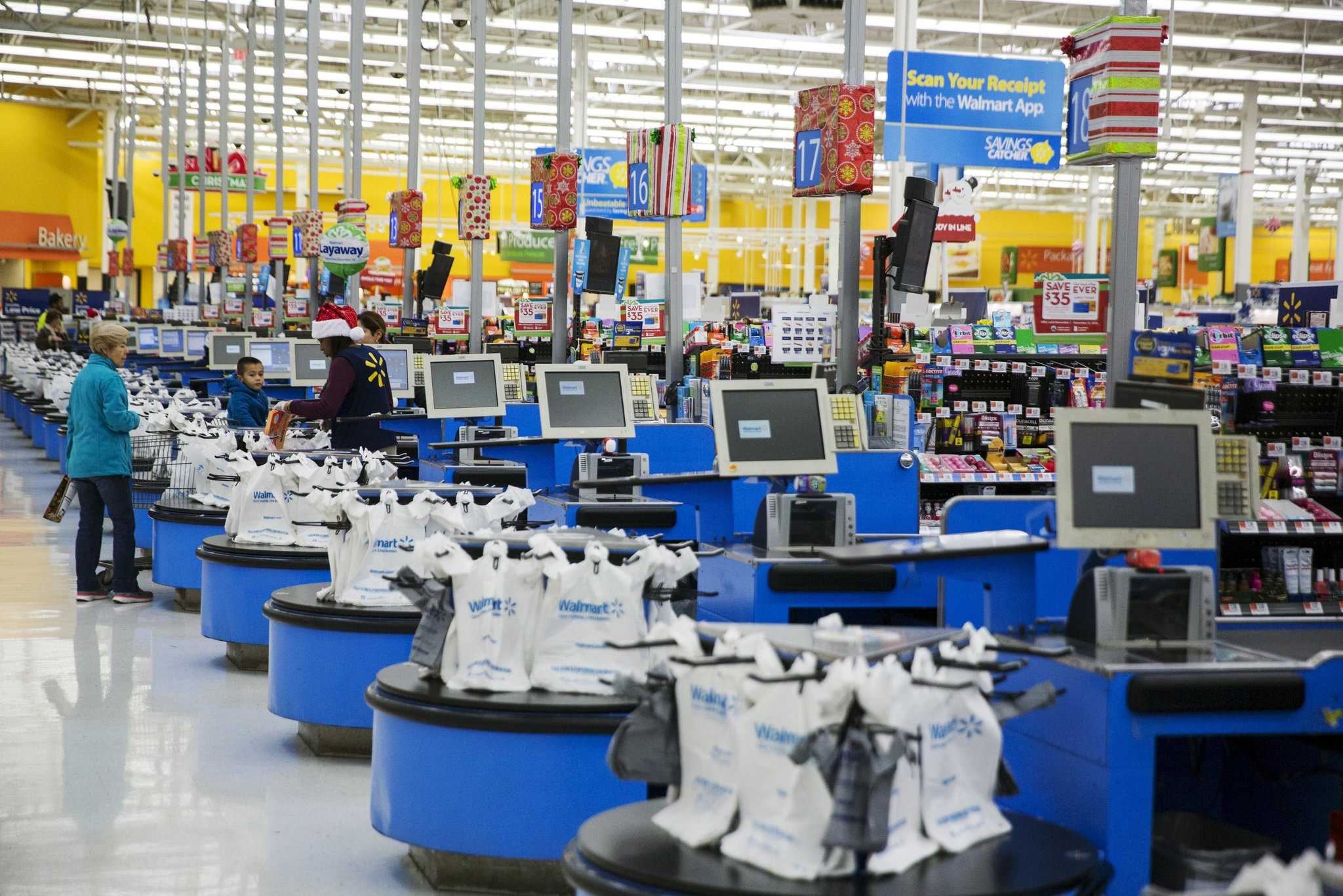 Walmart Profit Fell Almost 8% in 4th Quarter | Red Dragon